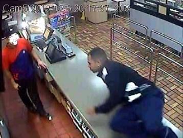 Policía busca a asaltante de un restaurante de San Juan