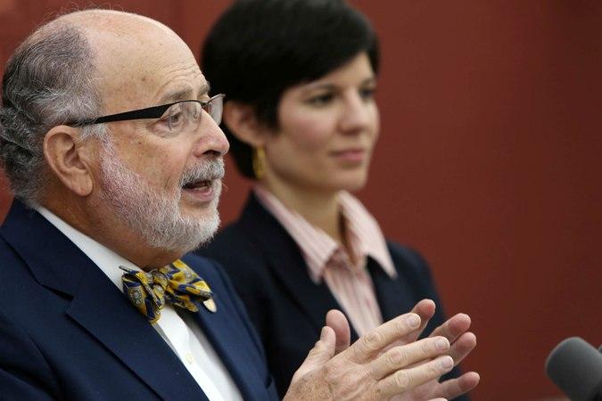 Secretario de Justicia insiste al anunciar dimisión en que no cometió ilegalidad