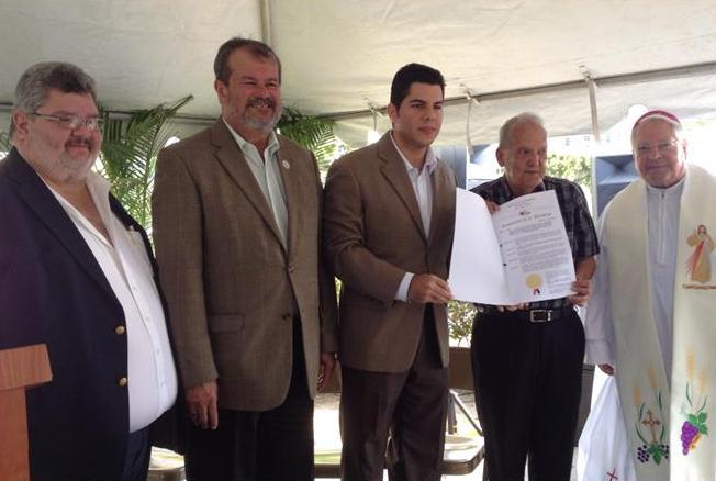 Periodista Luis R. Varela es honrado en Católica Radio