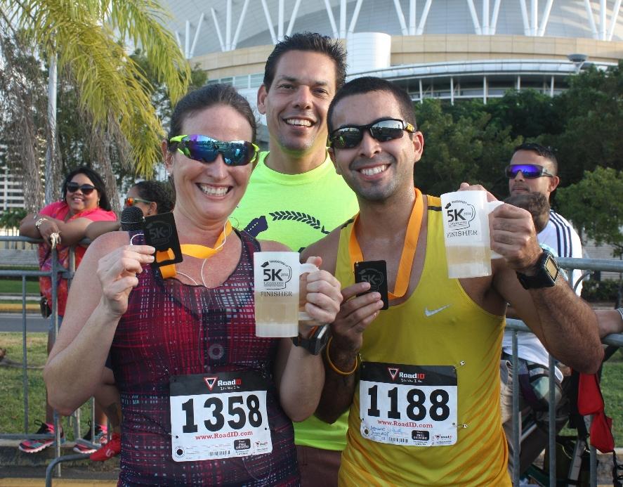 Ganan Margarita Santos y Luis Betancourt primer 5K Cervecero