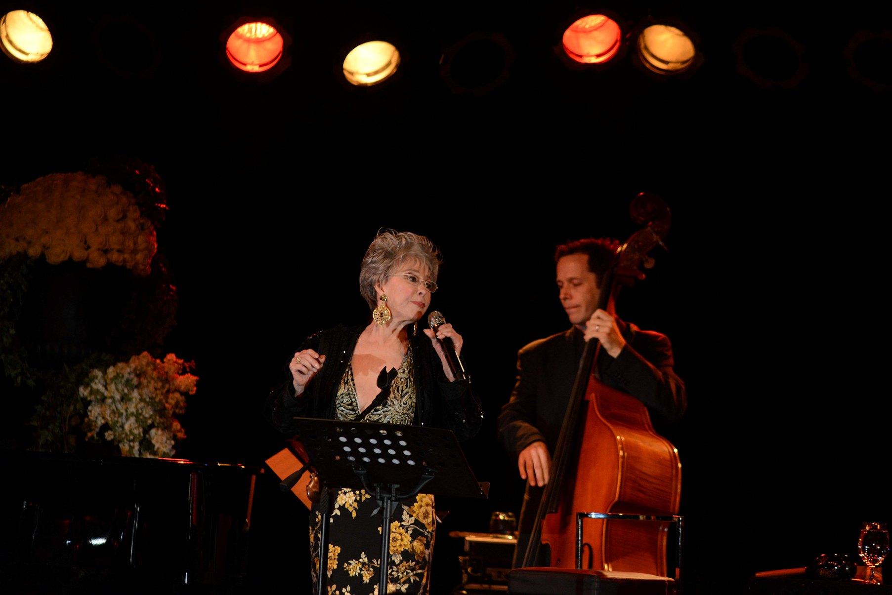 Rita Moreno ofrece memorable concierto en su patria boricua