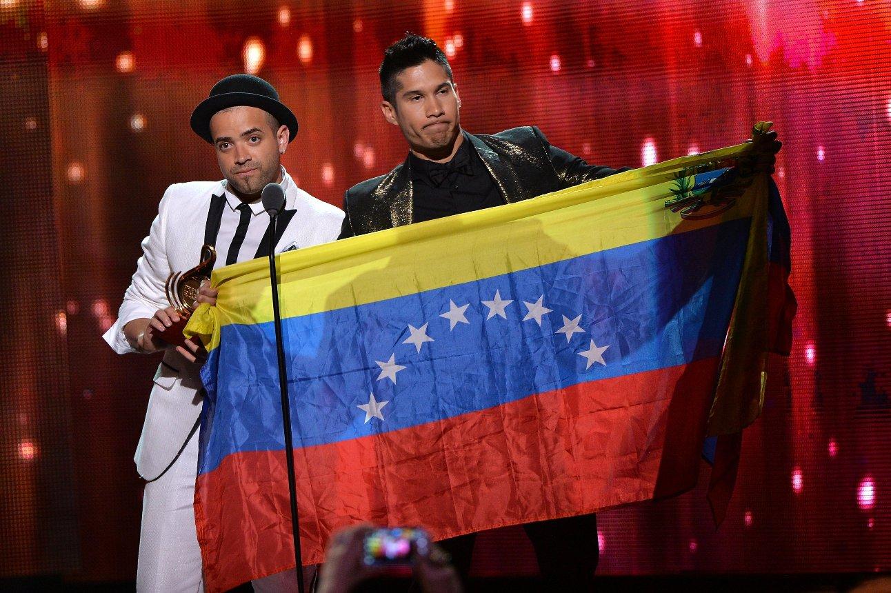 Claman en Premio Lo Nuestro por la paz en Venezuela