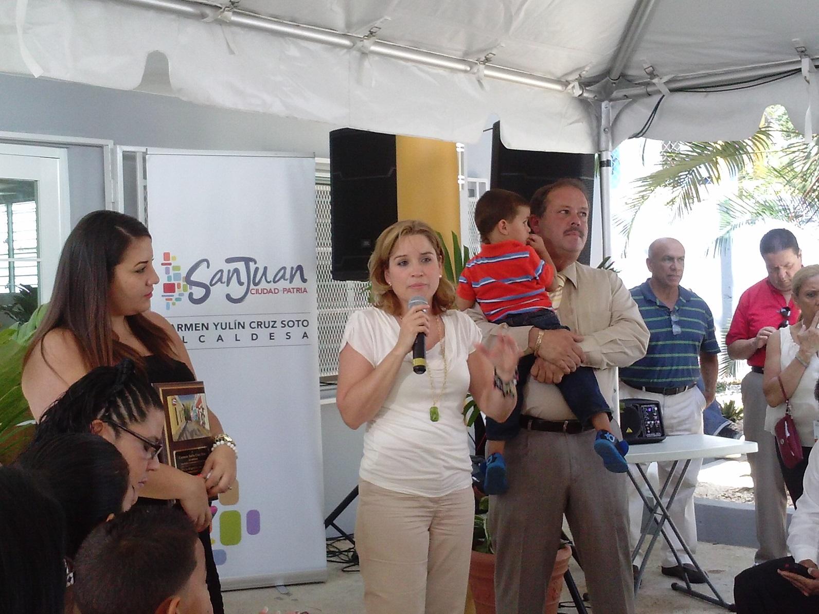 Carmen Yulín inaugura centro comunal en Las Curías