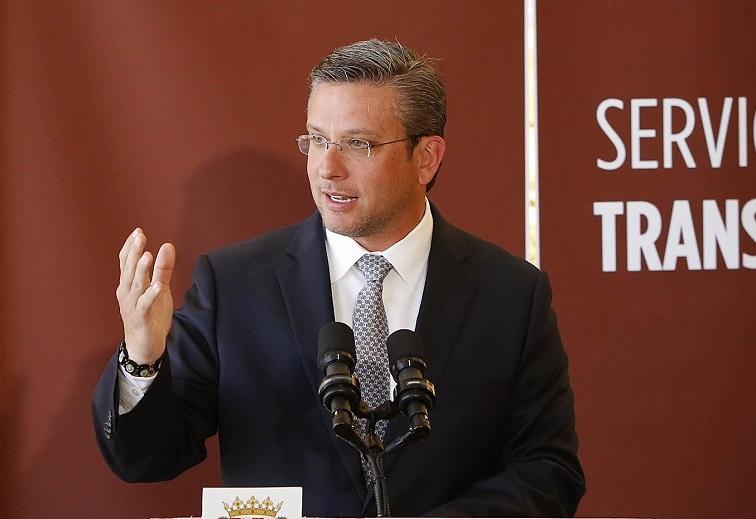 Complace al gobernador García Padilla fallo de tribunal federal