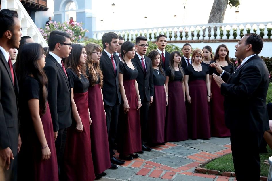 Encuentro de Coros integrados por estudiantes en La Fortaleza