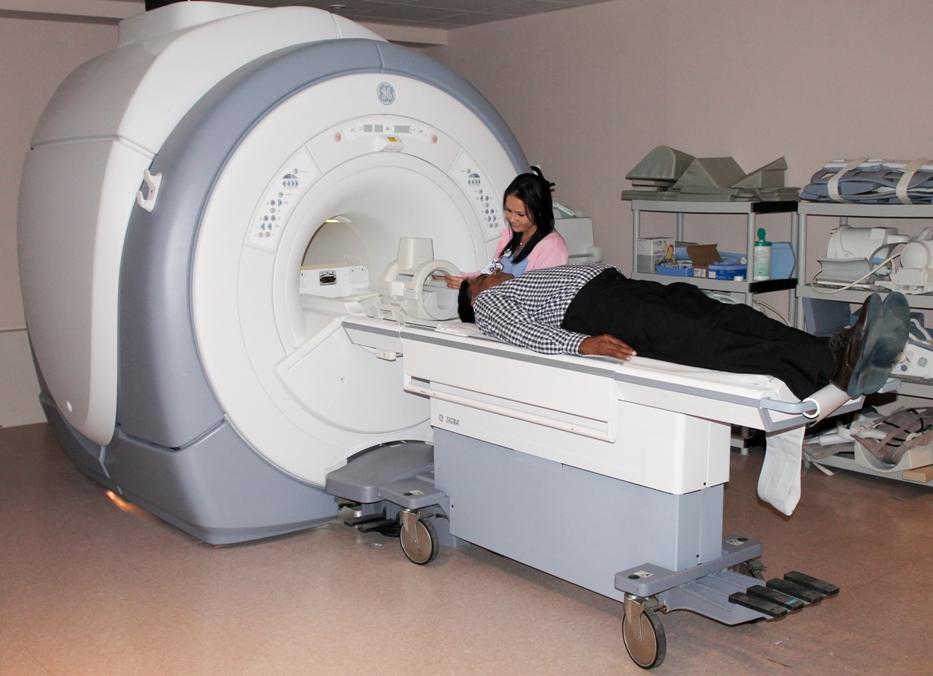 Líder el Hospital UPR de Carolina en soluciones médicas a través de la tecnología