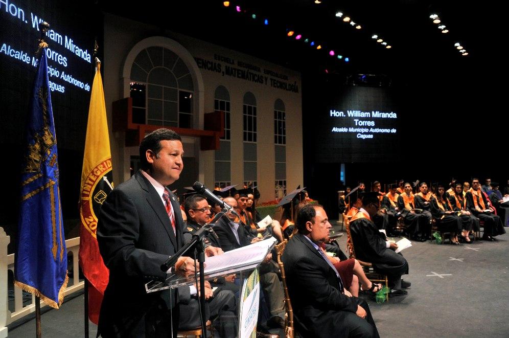 Graduación de duodécimo grado de la escuela CIMATEC