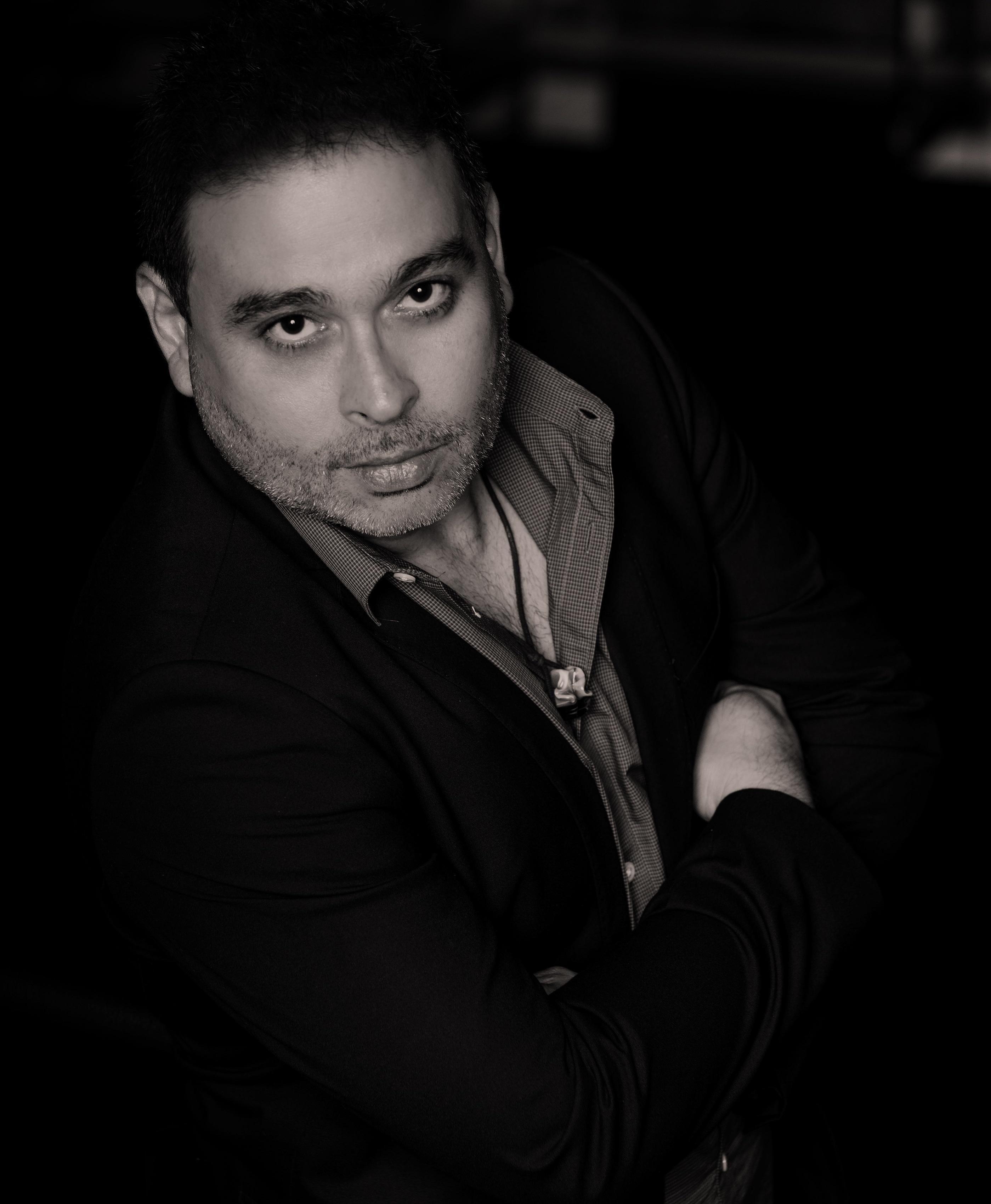 Estrada Santiago presenta su sexta novela en el Centro de Bellas Artes de Santurce