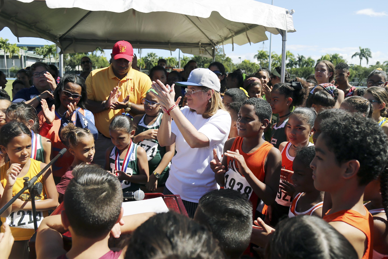 Bautizada pista del Parque Central con nombre de Danny Soto durante competición de 600 alumnos