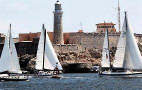 Embarcaciones cubanas y estadounidenses saludan a La Habana por sus 500 años