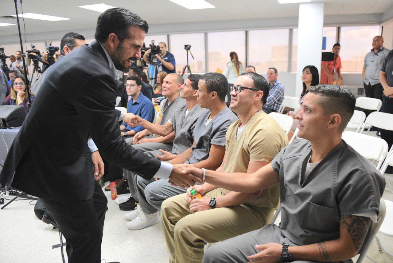 Gobernador anuncia primera modalidad de prisiones escuela en el DCR