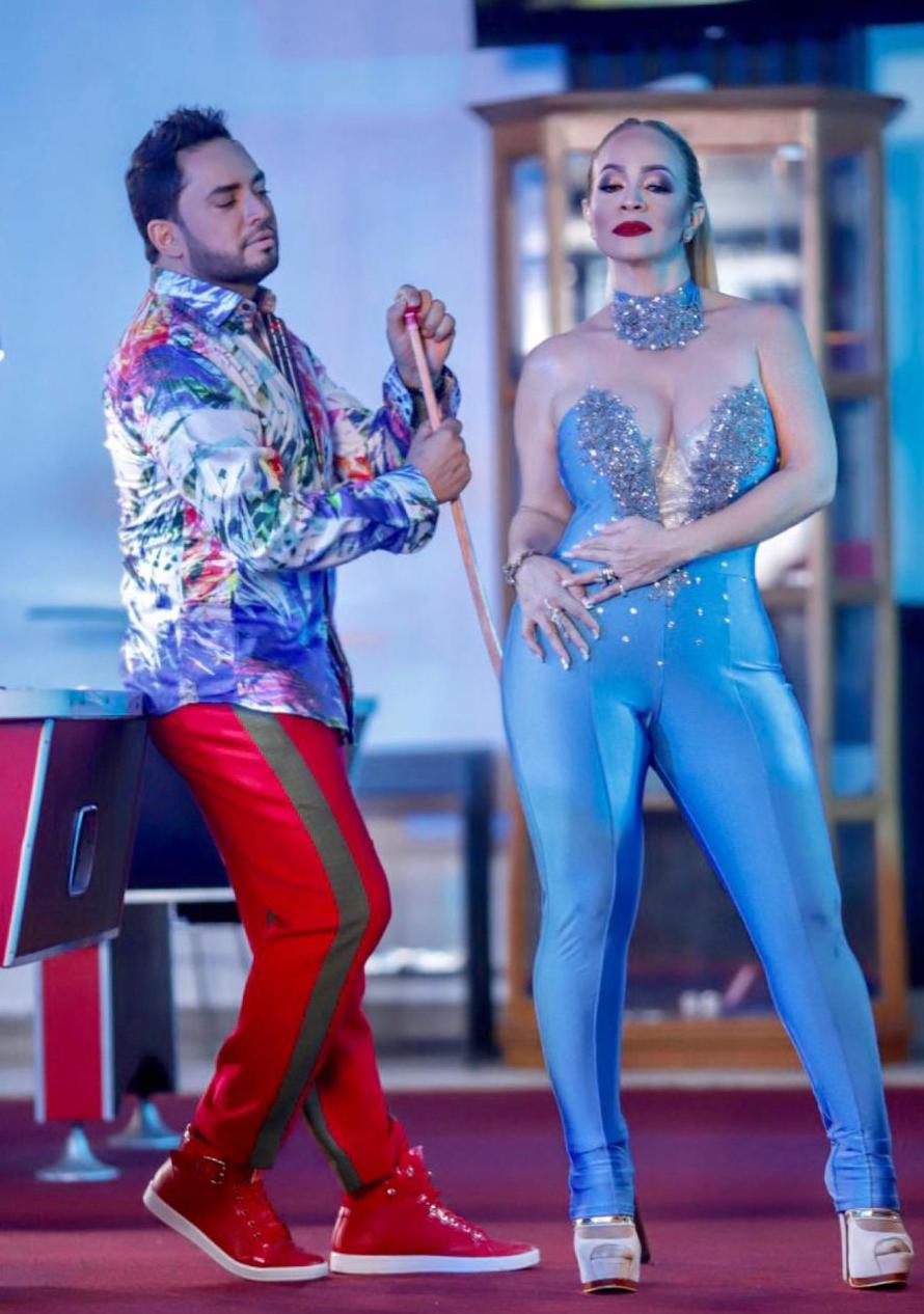 Manny Manuel graba vídeo junto a la diva del merengue Miriam Cruz